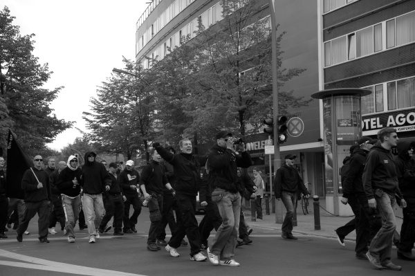 """Spontan""-Demonstration von Neonazis am 1.Mai 2010 in Berlin"