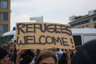 Refugees Welcome-400x400