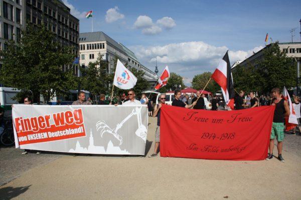 NPD-Kundgebung am 1. August am Brandenburger Tor (c) apabiz