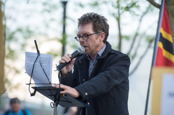 Heribert Eisenhardt alias Reiner Zufall bei Bärgida am Montag, den 4. Mai 2015 (c) Christian Ditsch (version-foto.de)