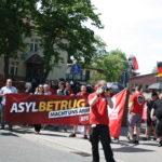 """Banner mit NPD-Kennzeichnung am 6. Juni 2015 beim """"Tag der deutschen Zukunft"""" in Neuruppin. (c) apabiz"""