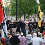 """Offizielle Nazi-Hool-Performance am 6. Juli 2015: Erst Redebeitrag und dann """"Ahu"""". (c) apabiz"""