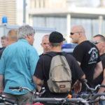 Karl Schmitt kumpelt mit den Nazi-Hools am 6. Juli 2015. (c) apabiz