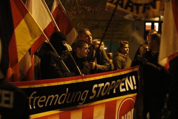 Mit dem vermummungsverbot nahm es die Berliner Polizei an diesem Abend nicht so genau (c) apabiz