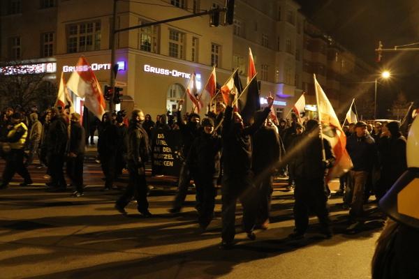 Provokationen am Rand des Aufmarsches © apabiz