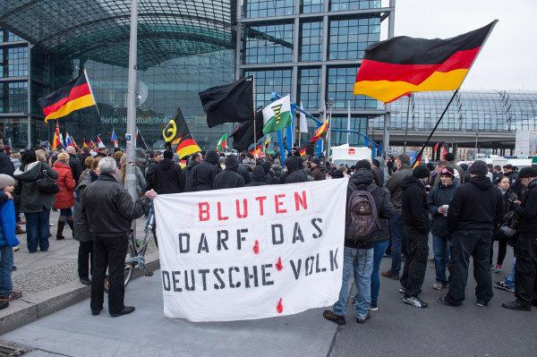 Bluten darf das deutsche Volk