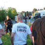 Vereint gegen Asylnotunterkunft - CDUlerin protestiert gemeinsam mit Neonazis