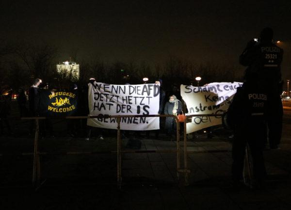 Protest am Kanzleramt. (c) apabiz
